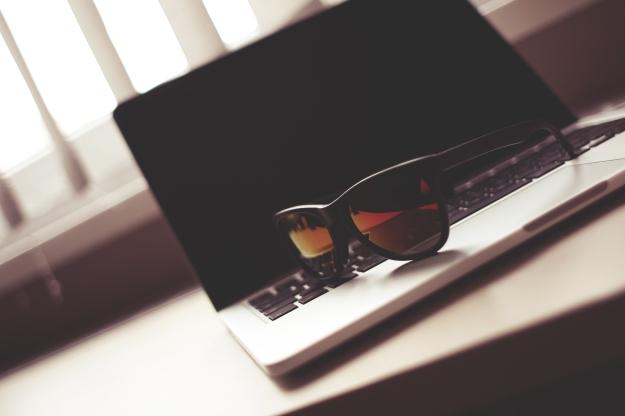 fashion-sunglasses-on-a-macbook-picjumbo-com